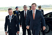 Koning Willem-Alexander opent de tentoonstelling Willem in het Nationaal Militair Museum in Soesterberg.<br /> <br /> King Willem-Alexander opens the exhibition Willem in the National Military Museum in Soesterberg.<br /> <br /> Op de foto/ On the photo:  Aankomst / Arrival