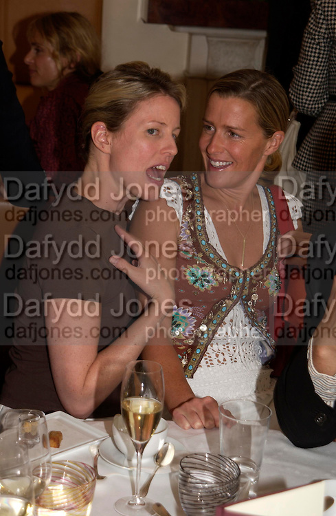 Sydney Finch and India Hicks. Lunch party for Brooke Shields hosted by charles finch and Patrick Cox. Mortons. Berkeley Sq. 6 July 2005. ONE TIME USE ONLY - DO NOT ARCHIVE  © Copyright Photograph by Dafydd Jones 66 Stockwell Park Rd. London SW9 0DA Tel 020 7733 0108 www.dafjones.com