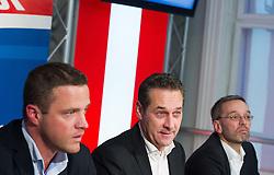 13.10.2015, Parlamentsklub, Wien, AUT, FPÖ, Pressekonferenz nach Landes- und Bundesparteivorstand anlässlich der Wien-Wahl 2015, im Bild v.l.n.r. Vizebürgermeister Wien Johann Gudenus, Klubobmann FPÖ Heinz-Christian Strache und FPÖ Generalsekretär und Nationalratsabgeordneter Herbert Kickl // during press conference of the austrian freedom party after board meeting according to city council election in Vienna, Austria on 2015/10/13. EXPA Pictures © 2015, PhotoCredit: EXPA/ Michael Gruber