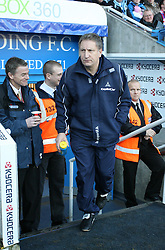 Reading, England - Saturday, January 20, 2007: Reading against Sheffield United's Neil Warnock as he enters the stadium before being sent off later on during the Premier League match at the Madejski Stadium. (Pic by Chris Ratcliffe/Propaganda)