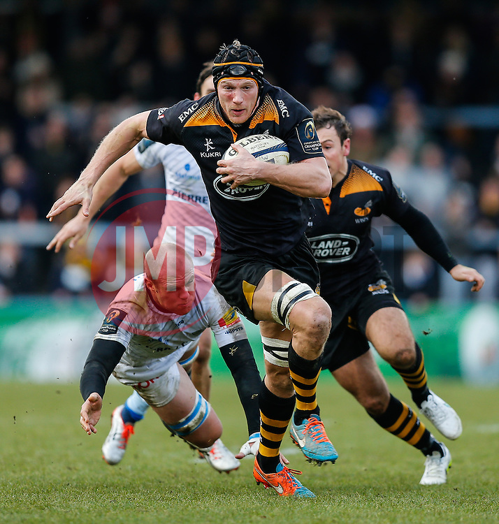 Wasps Lock Kearnan Myall makes a break going on to set up a try for Winger Tom Varndell - Photo mandatory by-line: Rogan Thomson/JMP - 07966 386802 - 14/12/2014 - SPORT - RUGBY UNION - High Wycombe, England - Adams Park Stadium - Wasps v Castres Olympique - European Rugby Champions Cup Pool 2.