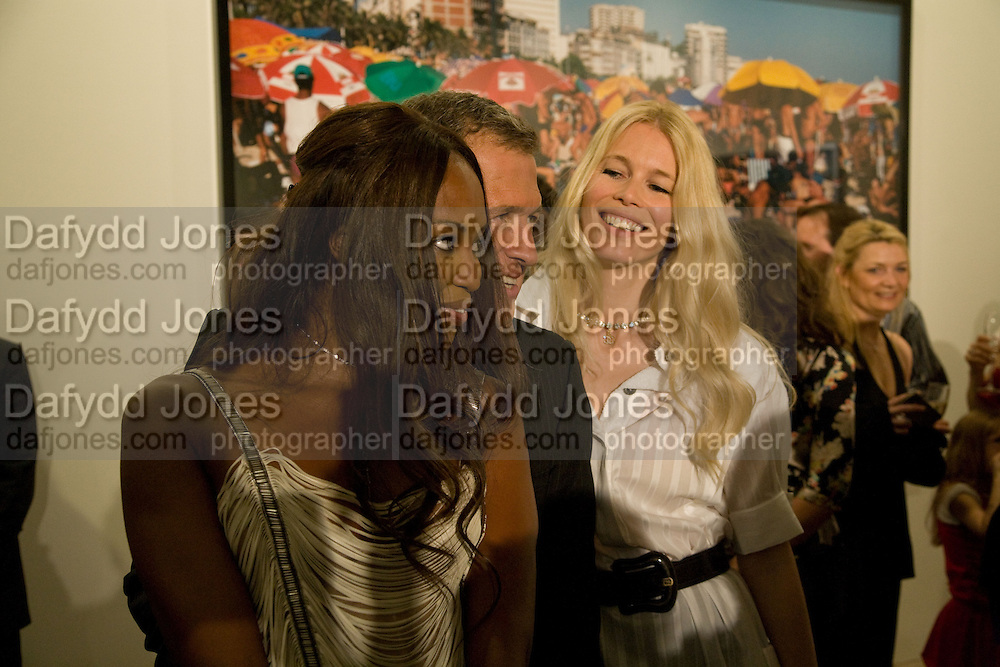 CLAUDIA SCHIFFER: MARIO TESTINO; NAOMI CAMPBELL.  Mario Testino: Obsessed by You -  private view<br />Phillips de Pury & Company, Howick Place, London, SW1, 2 July 2008 *** Local Caption *** -DO NOT ARCHIVE-© Copyright Photograph by Dafydd Jones. 248 Clapham Rd. London SW9 0PZ. Tel 0207 820 0771. www.dafjones.com.