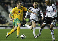 Derby - Tuesday October 28th, 2008: Lee Croft of Norwich City keeps battling away against Derby during the Coca Cola Championship match at Pride Park, Derby. (Pic by Michael Sedgwick/Focus Images)