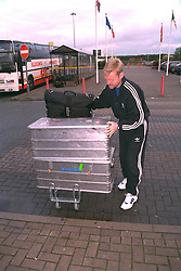 LIVERPOOL, ENGLAND - Monday, September 11, 1995: Liverpool's physio Mark Leather at Liverpool Airport before travelling to Russia ahead of the UEFA Cup 1st Round 1st Leg match against FC Alania Spartak Vladikavkaz. (Photo by David Rawcliffe/Propaganda)