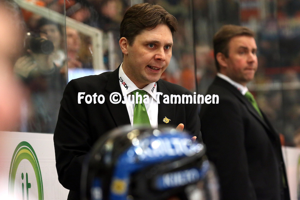 6.3.2015, Ritari Areena, H&auml;meenlinna.<br /> J&auml;&auml;kiekon SM-liiga 2014-15. H&auml;meenlinnan Pallokerho - Ilves.<br /> Valmentaja Tuomas Tuokkola - Ilves