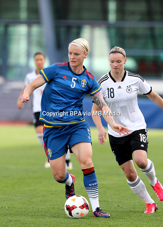 Fifa Womans World Cup Canada 2015 - Preview //<br /> Algarve Cup 2015 Tournament ( Vila Real San Antonio Sport Complex - Portugal ) - <br /> Germany vs Sweden 2-4   -  Nilla Fischer of Sweden , challenges with Alexandra Popp of Germany (R)