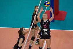 20-02-2016 NED: Coolen Alterno - Eurosped TVT, Almere<br /> Eurosped wint met 3-2 van Alterno en speelt morgen de finale / Rochelle Wopereis #12 of Eurosped