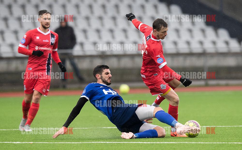 FODBOLD: Nicolas Mortensen (FC Helsingør) tackles af Nemanja Cavnic (Fremad Amager) under træningskampen mellem Fremad Amager og FC Helsingør den 2. februar 2019 i Sundby Idrætspark. Foto: Claus Birch