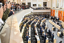 "27.05.2019, Hofburg, Wien, AUT, Sondersitzung des Nationalrates, Sitzung des Nationalrates aufgrund des Misstrauensantrags der Liste JETZT, FPOE und SPOE gegen Bundeskanzler Sebastian Kurz (OeVP) und die Bundesregierung, im Bild Übersicht über die Abstimmung // during special meeting of the National Council of austria due to the topic ""motion of censure against the federal chancellor Sebastian Kurz (OeVP) and the federal government"" at the Hofburg in Wien, Australia on 2019/05/27. EXPA Pictures © 2019, PhotoCredit: EXPA/ Lukas Huter"