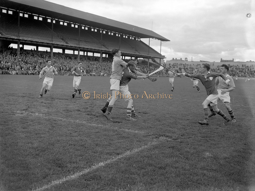 24/08/1952<br /> 08/24/1952<br /> 24 August <br /> <br /> All Ireland Junior Simi Final Limerick vs. Dublin at Croke Park
