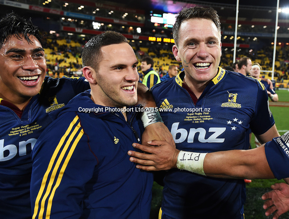 Highlanders players celebrate during the Super Rugby Final between the Hurricanes and Highlanders at Westpac Stadium in Wellington., New Zealand. Saturday 4 July 2015. Copyright Photo: Andrew Cornaga / www.Photosport.nz