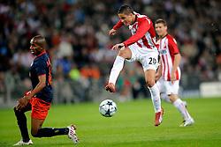 16-09-2008 VOETBAL: CHAMPIONS LEAGUE PSV - ATLETICO MADRID<br /> Ibrahim Afellay in duel met Paulo Assuncao<br /> ©2008-WWW.FOTOHOOGENDOORN.NL