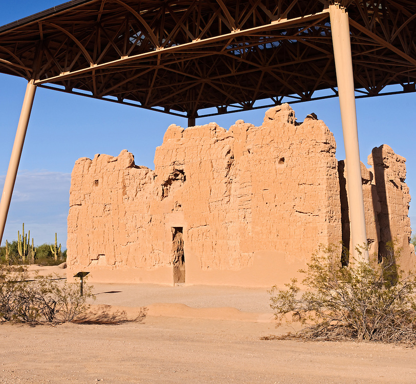 Big House, Hohokam Indian four storey caliche, not adobe, building, approximately 600 years old, unrestored, protected from erosion by unique steel umbrella, Casa Grande Ruins National Monument, Coolidge,Arizona, United States of America (U.S.A.), North America, 14th century