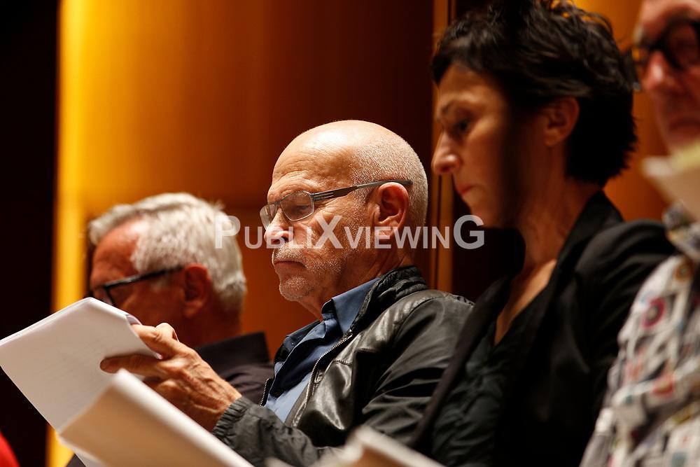Im Vorfeld des G20-Gipfels in Hamburg lesen namhafte K&uuml;nstler in der Laeiszhalle Texte des franz&ouml;sischen Widerstandsk&auml;mpfers St&eacute;phane Hessel. Im Bild: Investigativjournalist G&uuml;nter Wallraff<br /> <br /> Ort: Hamburg<br /> Copyright: Andreas Conradt<br /> Quelle: PubliXviewinG