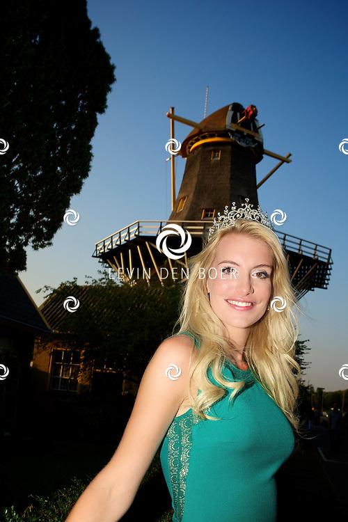 ROTTERDAM - Miss Earth, Wendy-Kristy Hoogerbrugge. FOTO LEVIN DEN BOER - PERSFOTO.NU