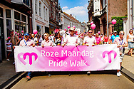 23-07-2018 ROZE MAANDAG:TILBURG<br /> De Roze Maandag op de Tilburgse kermis trok volgens traditie vele duizenden kleurrijke bezoekers. Er waren extra waterpunten ivm de warmte<br /> <br /> Foto: Geert van Erven