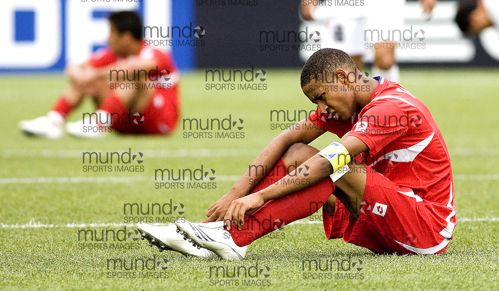 30 June 2007 (Ottawa) -- People's Republic of Korea (PRK) versus Panama (PAN) group stage game in the FIFA U-20 World Cup Canada 2007...Post Panama v North Korea players...Photo credit Sean Burges/Mundo Sport Images.
