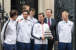 Downing Street, London, December 1st 2015. Britain's victorious Davis Cup tennis team meet Prime Minister David Cameron at no. 10. L-R: Andy Murray, James Ward, Dom Inglot, Leon Smith, David Cameron, Kyle Edmond, Jamie Murray.  ///FOR LICENCING CONTACT: paul@pauldaveycreative.co.uk TEL:+44 (0) 7966 016 296 or +44 (0) 20 8969 6875. ©2015 Paul R Davey. All rights reserved.