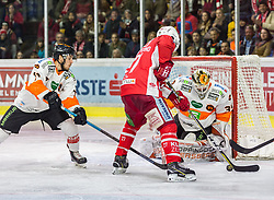 05.04.2019, Stadthalle, Klagenfurt, AUT, EBEL, EC KAC vs Moser Medical Graz 99ers, Halbfinale, 4. Spiel, im Bild 27, Robin Rahm (Moser Medical Graz 99ers, #35), Karl, Johansson (Moser Medical Graz 99ers, #57) // during the Erste Bank Icehockey 4th semifinal match between EC KAC and Moser Medical Graz 99ers at the Stadthalle in Klagenfurt, Austria on 2019/04/05. EXPA Pictures © 2019, PhotoCredit: EXPA/ Gert Steinthaler