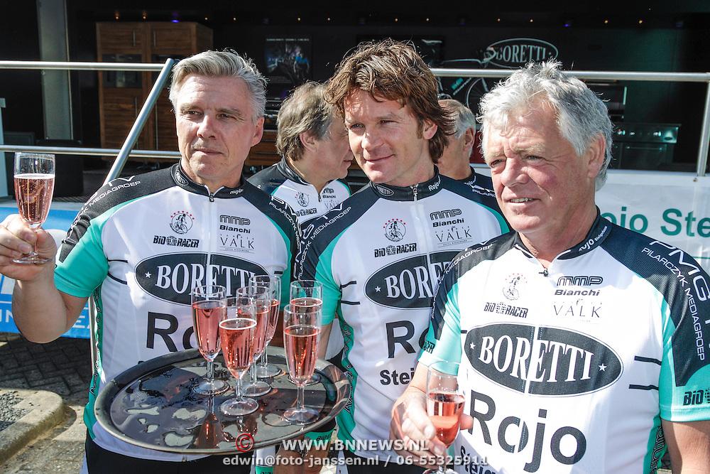 NLD/Watergang/20120406 - Presentatie Sterrenfietsteam 2012, Keje Molenaar, Sander Jansons en Johnnie Rep