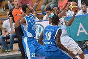 DESCRIZIONE : Trento 2' Memorial Gianni Brusinelli Lega A 2014-15 Dolomiti Energia B.Trento vs Acqua Vitasnella Cantù<br /> GIOCATORE : Sanders Jamarr<br /> CATEGORIA : Passaggio Precario<br /> SQUADRA : Aquila Basket Trento<br /> EVENTO : 2' Memorial Gianni Brusinelli <br /> GARA : Dolomiti Energia B.Trento vs Acqua Vitasnella Cantù<br /> DATA : 14/09/2014 <br /> SPORT : Pallacanestro <br /> AUTORE : Agenzia Ciamillo-Castoria/I.Mancini<br /> Galleria : Lega Basket A 2014-2015 Fotonotizia : Trento 2' Memorial Gianni Brusinelli  Lega A 2014-15 Dolomiti Energia B.Trento vs Acqua Vitasnella Cantù<br /> Predefinita :