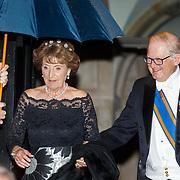 NLD/Amsterdam/201804245 - 20180424 koninklijke familie bij Corps Diplomatique diner 2018, vertrek Margriet in gala en partner Mr. Pieter van Vollenhoven