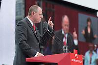 17 AUG 2013, BERLIN/GERMANY:<br /> Peer Steinbrueck, SPD Kanzlerkandidat, haelt eine Rede, Deutschlandfest anl. des 150. Jubilaeums der Parteigruendung der SPD, Strasse des 17. Juni, vor dem Brandenburger Tor<br /> IMAGE: 20130817-01-028<br /> KEYWORDS: Peer Steinbrück, 150 Jahre, Geburtstag