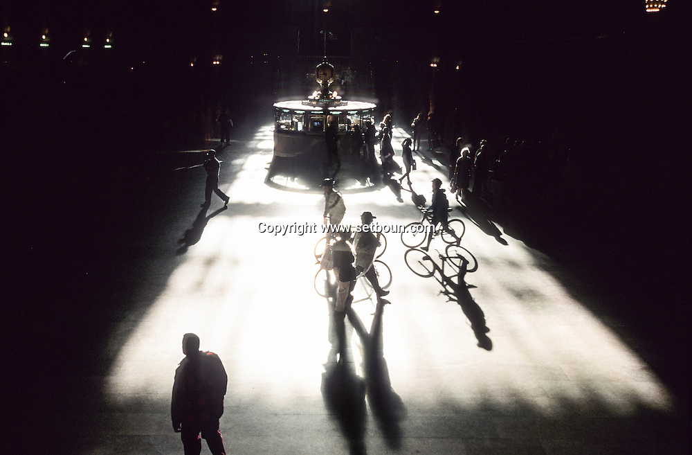 New York. pedestrians shadows in grand central railway station