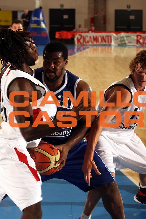 DESCRIZIONE : Bormio Trofeo Internazionale Diego Gianatti Canada Grecia <br />GIOCATORE : Schortsianitis <br />SQUADRA : Grecia <br />EVENTO : Bormio Trofeo Internazionale Diego Gianatti Canada Grecia <br />GARA : Canada Grecia<br />DATA : 22/07/2006 <br />CATEGORIA : Palleggio <br />SPORT : Pallacanestro <br />AUTORE : Agenzia Ciamillo-Castoria/M.Marchi