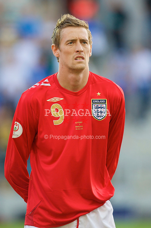 Tallinn, Estonia - Wednesday, June 6, 2007: England's Peter Crouch before the UEFA Euro 2008 Qualifying Group E match at Le Coq Arena. (Pic by David Rawcliffe/Propaganda)