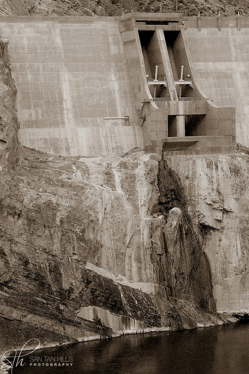 A closeup view of a section of Roosevelt Dam