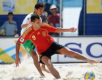FIFA BEACH SOCCER WORLD CUP 2008 SPAIN - MEXICO   20.07.2008 Javier TORRES (ESP, r) against Israel SANTOYO (ESP).