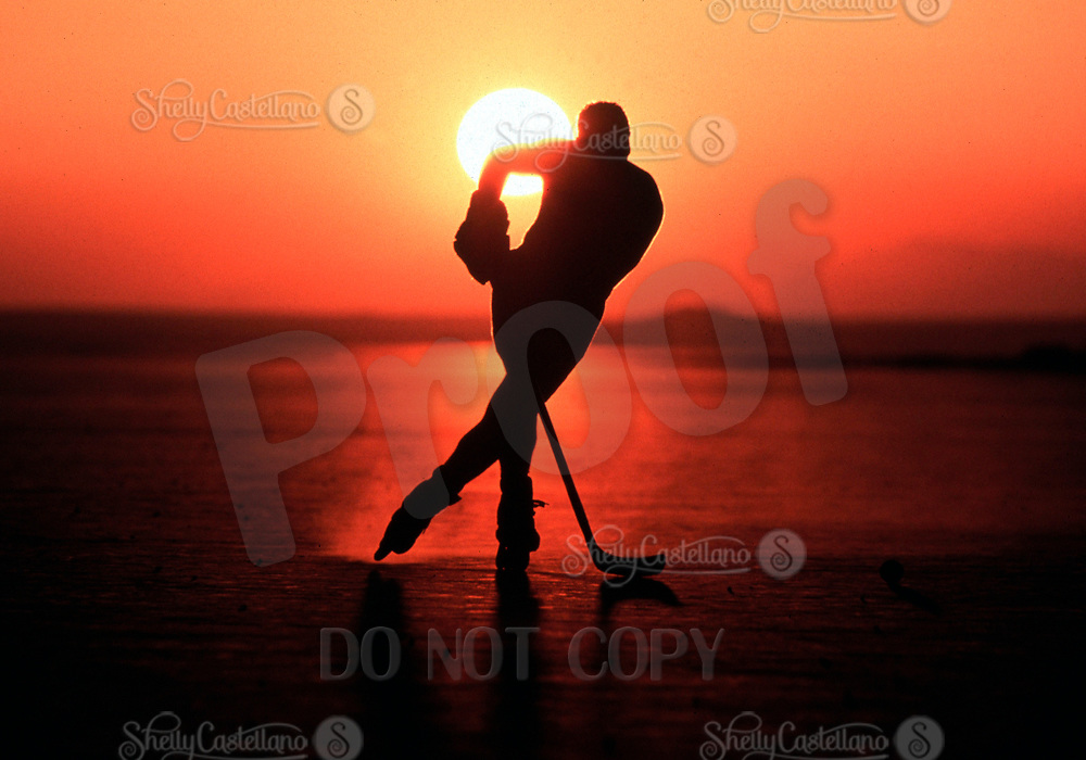 May 22, 2002; Los Angeles, CA, USA; Former NHL ice hockey player RALPH BARAHONA skates into sunset. Roller Hockey and Inline Skating is a hot sport in 2002. Kids, women, adults are playing in leagues throughout the United States and Canada that play year around. <br />Mandatory Credit: Photo by Shelly Castellano/ZUMA Press.<br />(&copy;) Copyright 2002 by Shelly Castellano