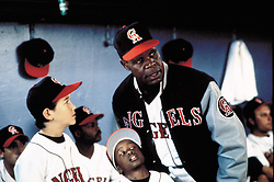 1994; Angels In The Outfield. Original Film Title: Angels In The Outfield, PICTURED: DANNY GLOVER, Director: William Dear, IN CAST: Danny Glover, Christopher Lloyd, Joseph Gordon-Levitt, Brenda Fricker, Tony Danza  (Credit Image: © WALT DISNEY PRODUCTIONS/Entertainment Pictures/ZUMAPRESS.com)