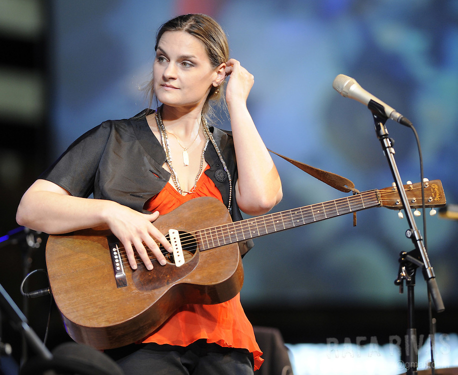 Georgia, USA-born singer Madeleine Peyroux performs during the Jazz Vitoria festival, on July 17, 2009, in the northern Spanish Basque city of Vitoria. PHOTO/Rafa Rivas