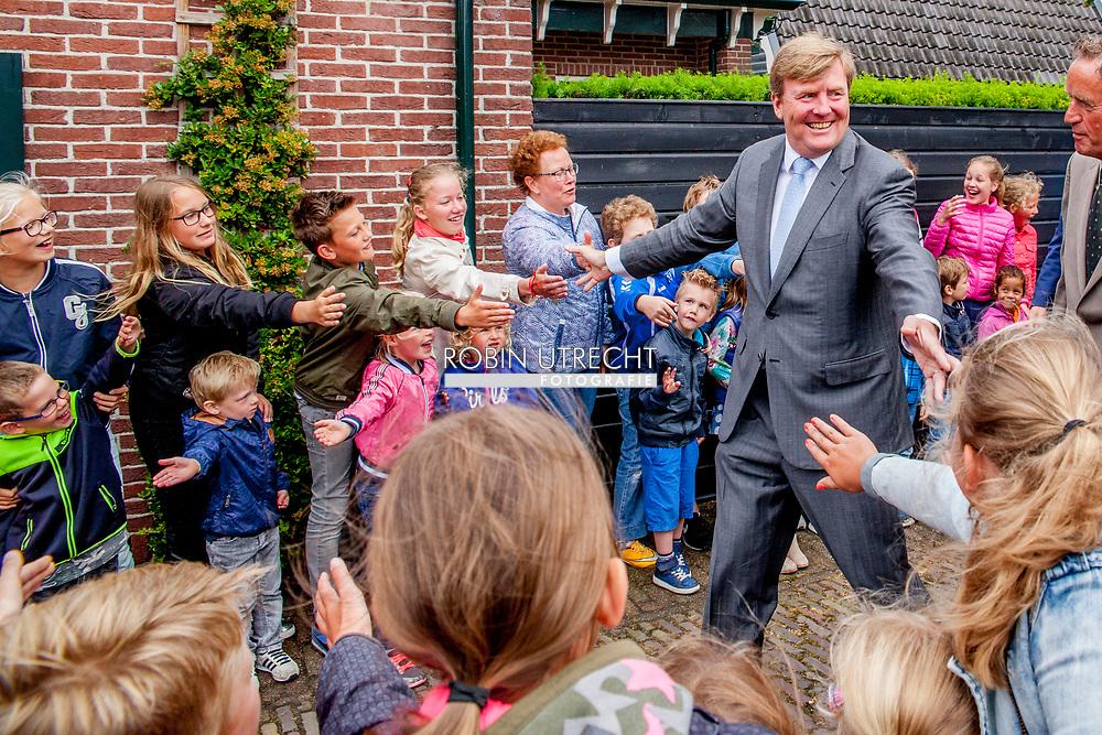 6-6-2017 OLD KARSPEL - King Willem-Alexander will visit 'The Keeping House' in Oudkarspel on Tuesday morning June 6th. This neighborhood was realized by the foundation 'Hart van Oudkarspel'. This foundation participates with the Orange Fund Collecte for the third time in the week from 6 to 11 June. COPYRIGHT ROBIN UTRECHT<br /> <br /> 6-6-2017 OUD KARSPEL -  Koning Willem-Alexander brengt op dinsdagmorgen 6 juni een bezoek aan 'Het Behouden Huis' in Oudkarspel. Dit buurthuis is gerealiseerd door de stichting 'Hart van Oudkarspel'. Deze stichting doet voor de derde keer mee met de Oranje Fonds Collecte die in de week van 6 tot en met 11 juni plaatsvindt. COPYRIGHT ROBIN UTRECHT