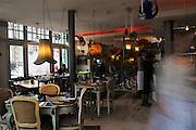 THE GARRISON PUB,.99-101 Bermondsey Street,SE1 3XB.Tube: London Bridge (Jubilie line).Tel: 0044(0)2070899355.Web: www.the garrison.co.uk.E-mail: info@the garrison.co.uk.Gastropub, raccomandato per una stella Michelin..EVENT: CINEMA ROOM, piccola sala in country style che la domenica alla 7 diviene cinema. Info sulle proezioni o per organizzare cinema party: thegarrisonpublichouse.wordpress.com