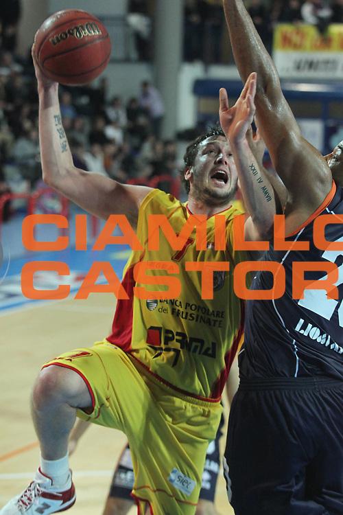 DESCRIZIONE : Frosinone Lega Due 2010-11 Prima Veroli Fileni BPA Jesi<br /> GIOCATORE : Guido Rosselli<br /> SQUADRA : Prima Veroli<br /> EVENTO : Campionato Lega Due 2010-2011<br /> GARA : Prima Veroli Fileni BPA Jesi <br /> DATA : 13/02/2011<br /> CATEGORIA :  tiro<br /> SPORT : Pallacanestro <br /> AUTORE : Agenzia Ciamillo-Castoria/A.Ciucci<br /> Fotonotizia : Frosinone Lega Due 2010-11 Prima Veroli Fileni BPA Jesi<br /> Predefinita :