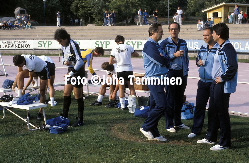 03.08.1986, Urheilupuisto, Turku, Finland..Friendly match, Turun Palloseura v Grmio FBPA.Grmio players getting ready for the match, second from right coach Valdyr Espinosa..©Juha Tamminen