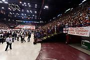 DESCRIZIONE : Milano Lega A 2014-15 EA7 Emporio Armani Milano vs Banco di Sardegna Sassari playoff Semifinale gara 7 <br /> GIOCATORE : panoramica tifosi<br /> CATEGORIA : panoramica tifosi<br /> SQUADRA : EA7 Emporio Armani Milano<br /> EVENTO : PlayOff Semifinale gara 7<br /> GARA : EA7 Emporio Armani Milano vs Banco di Sardegna SassariPlayOff Semifinale Gara 7<br /> DATA : 10/06/2015 <br /> SPORT : Pallacanestro <br /> AUTORE : Agenzia Ciamillo-Castoria/GiulioCiamillo<br /> Galleria : Lega Basket A 2014-2015 Fotonotizia : Milano Lega A 2014-15 EA7 Emporio Armani Milano vs Banco di Sardegna Sassari playoff Semifinale  gara 7 Predefinita :