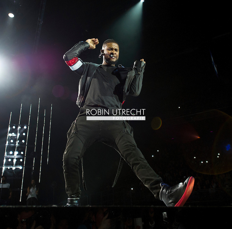 AMSTERDAM - (The UR Experience Tour) by American R & B singer Usher in the Ziggo Dome (The UR Experience Tour) van de Amerikaanse R&B zanger Usher in de Ziggo Dome.  COPYRIGHT ROBIN UTRECHT
