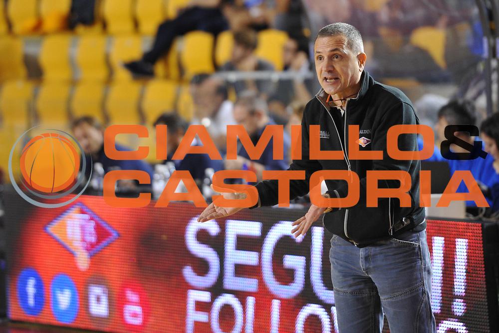 DESCRIZIONE : Roma LNP A2 2015-16 Acea Virtus Roma Moncada Agrigento<br /> GIOCATORE : Guido Saibene<br /> CATEGORIA : allenatore coach delusione<br /> SQUADRA : Acea Virtus Roma<br /> EVENTO : Campionato LNP A2 2015-2016<br /> GARA : Acea Virtus Roma Moncada Agrigento<br /> DATA : 18/10/2015<br /> SPORT : Pallacanestro <br /> AUTORE : Agenzia Ciamillo-Castoria/G.Masi<br /> Galleria : LNP A2 2015-2016<br /> Fotonotizia : Roma LNP A2 2015-16 Acea Virtus Roma Moncada Agrigento