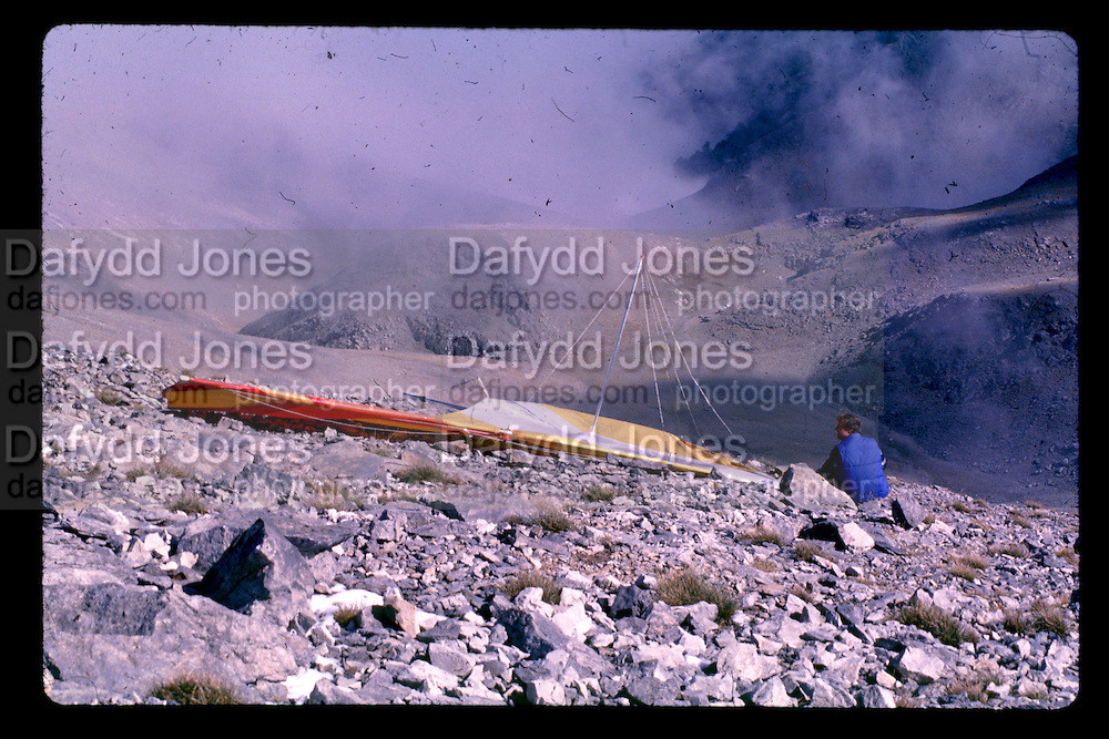Setting up hang gliders on Mt Olympus. Dangerous Sports Club. October 1978 *** Local Caption *** -DO NOT ARCHIVE-© Copyright Photograph by Dafydd Jones. 248 Clapham Rd. London SW9 0PZ. Tel 0207 820 0771. www.dafjones.com.