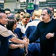 Sergio Marchionne, durante la visita nel reparto di montaggio della Maserati di Grugliasco.