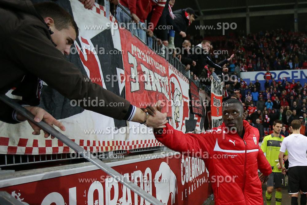 15.12.2012, Coface Arena, Mainz, GER, 1. FBL, 1. FSV Mainz 05 vs VfB Stuttgart, 17. Runde, im Bild Antonio RUEDIGER (VfB Stuttgart - 24) mit Fan // during the German Bundesliga 17th round match between 1. FSV Mainz 05 and VfB Stuttgart at the Coface Arena, Mainz, Germany on 2012/12/15. EXPA Pictures © 2012, PhotoCredit: EXPA/ Eibner/ Gerry Schmit..***** ATTENTION - OUT OF GER *****