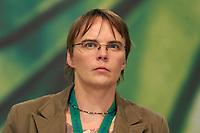 29 NOV 2003, DRESDEN/GERMANY:<br /> Anja Hajduk, MdB, B90/Gruene, 22. Ordentliche Bundesdelegiertenkonferenz Buendnis 90 / Die Gruenen, Messe Dresden<br /> IMAGE: 20031129-01-117<br /> KEYWORDS: Bündnis 90 / Die Grünen, BDK, <br /> Parteitag, party congress, Bundesparteitag