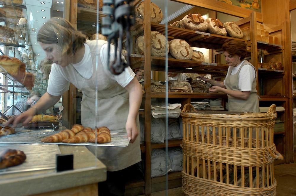 The original and legendary Paris bakery Poilâne at 8 rue du Cherche-Midi in the Saint Germaine des Prés district of Paris..Paris, France. 03/06/2008.Photo © J.B. Russell