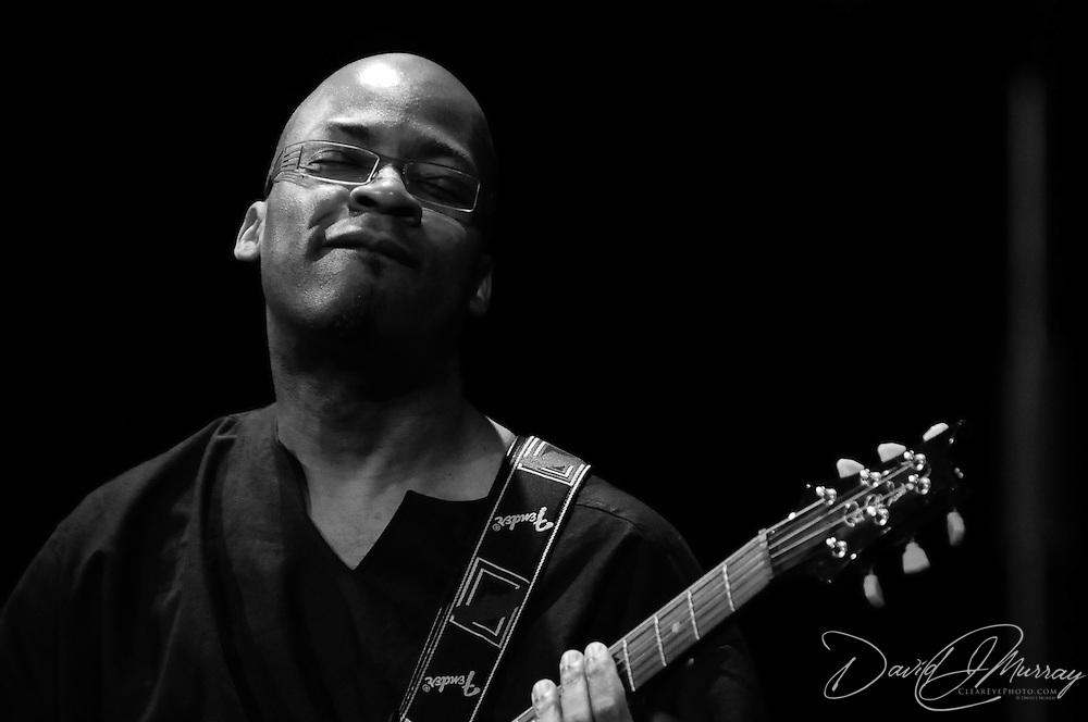 Lionel Loueke, Herbie Hancock Group, Guitar