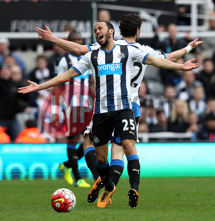 Andros Townsend of Newcastle United looks frustrated after his side concede a free kick - Mandatory byline: Robbie Stephenson/JMP - 20/03/2016 - FOOTBALL - ST James Park - Newcastle, England - Newcastle United v Sunderland - Barclays Premier League