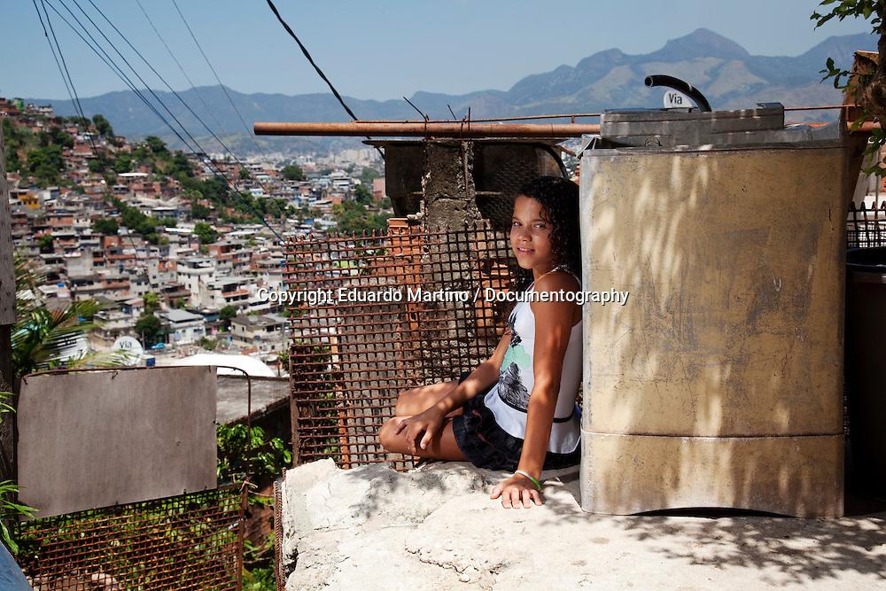 Beatriz Rodrigues Pacheco, 11..Complexo do Alemao, Rio de Janeiro, Brazil..Photo: Eduardo Martino / documentography.09.03.2012